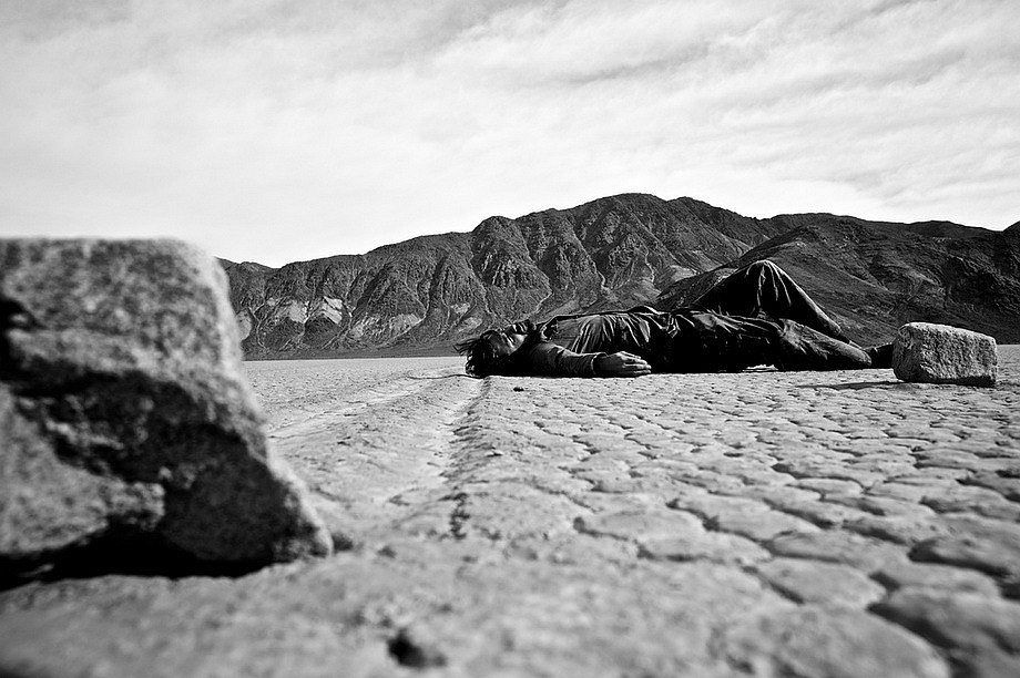 Slithering stones of Death Valley 12