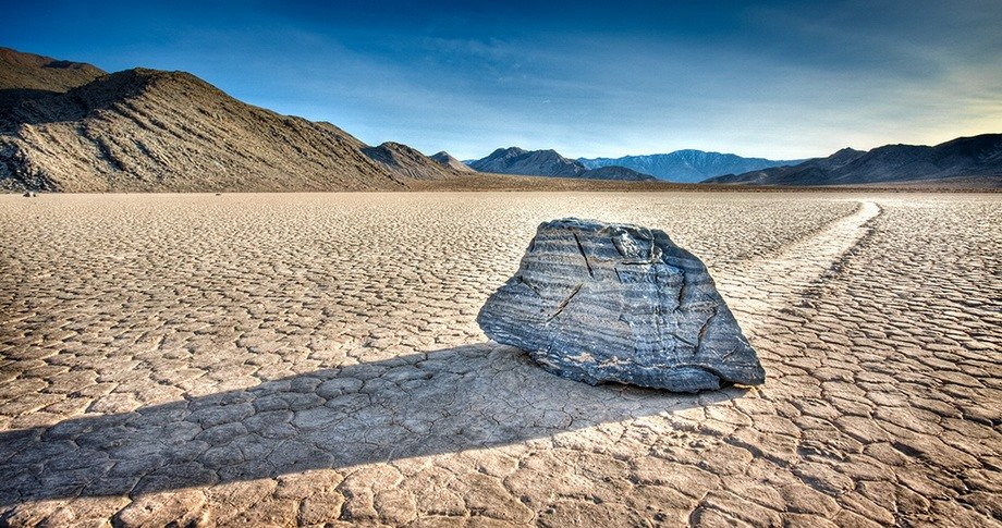 Slithering stones of Death Valley 13