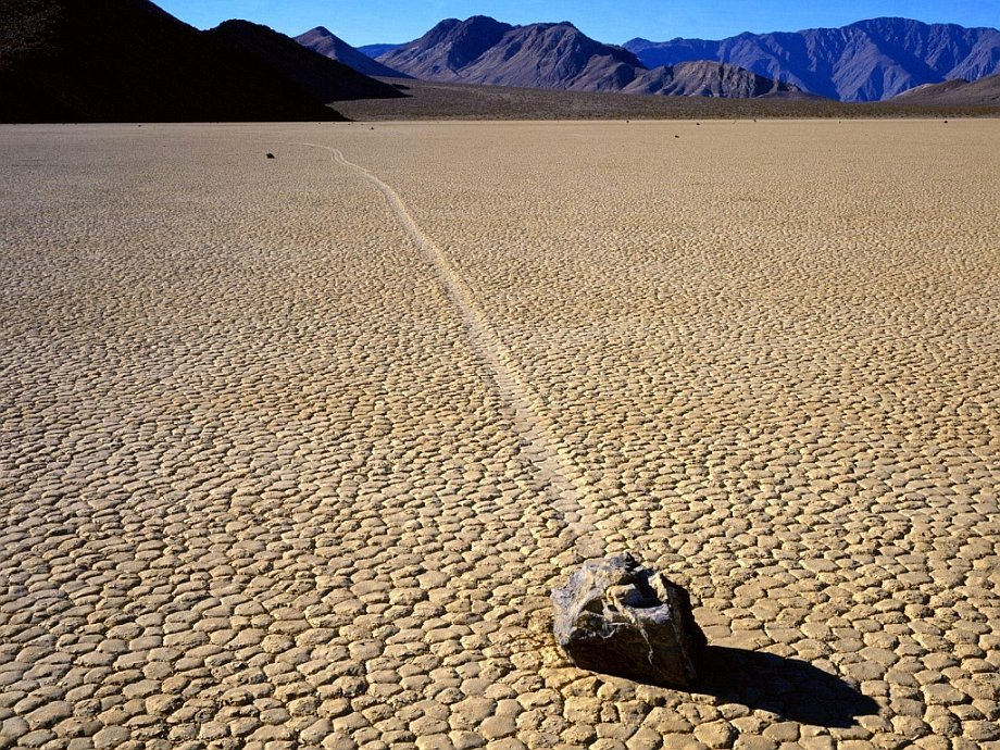 Slithering stones of Death Valley 15