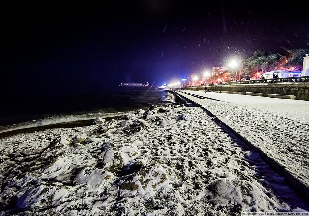 Snowy Yalta 02