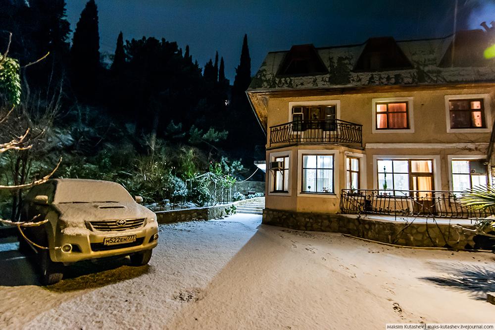 Snowy Yalta 03