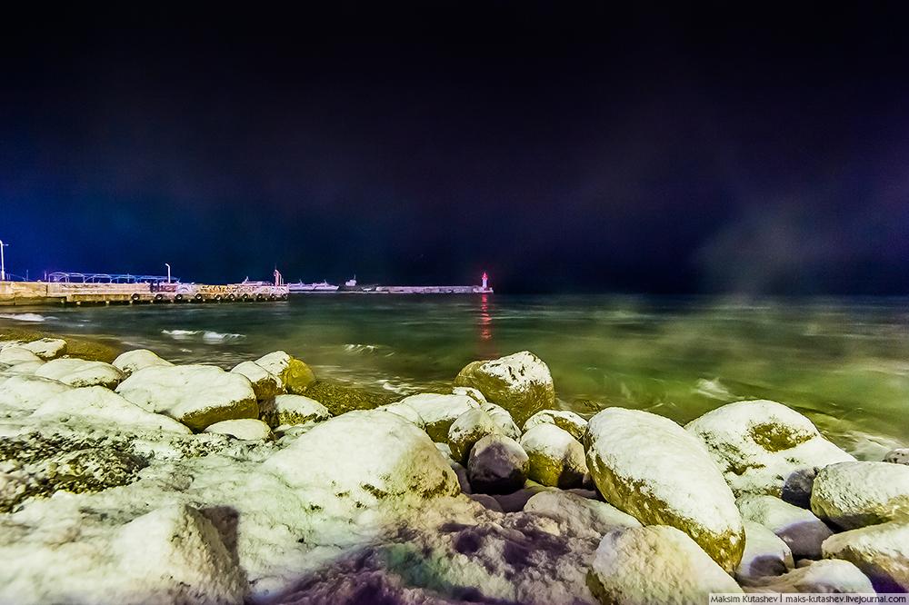 Snowy Yalta 08