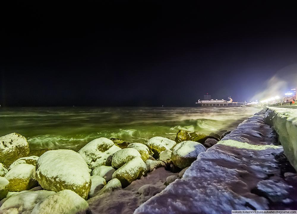 Snowy Yalta 09