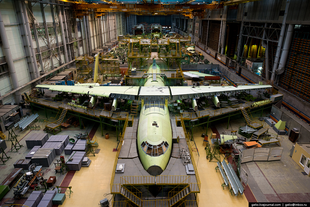 The production of Il-76 and Tu-204 at the plant Aviastar-SP 01