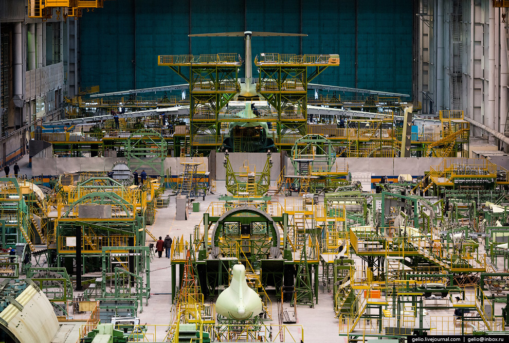 The production of Il-76 and Tu-204 at the plant Aviastar-SP 13