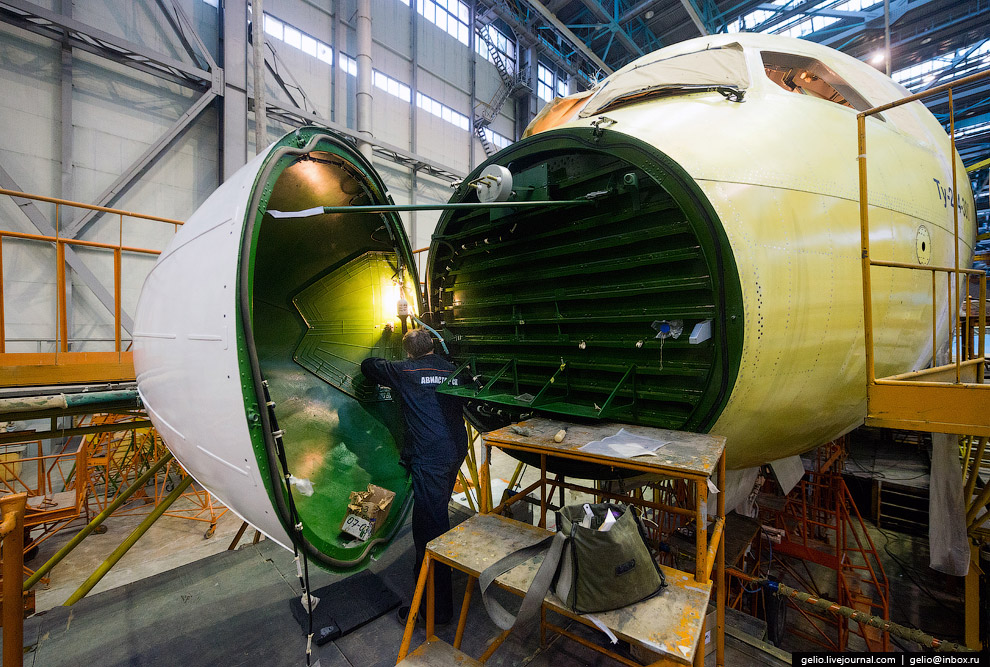 The production of Il-76 and Tu-204 at the plant Aviastar-SP 26