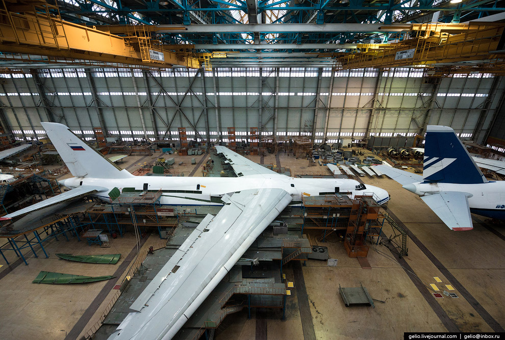 The production of Il-76 and Tu-204 at the plant Aviastar-SP 33