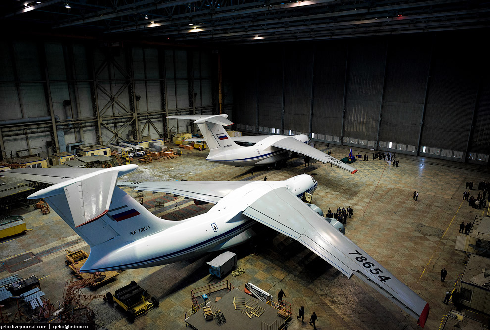 The production of Il-76 and Tu-204 at the plant Aviastar-SP 42