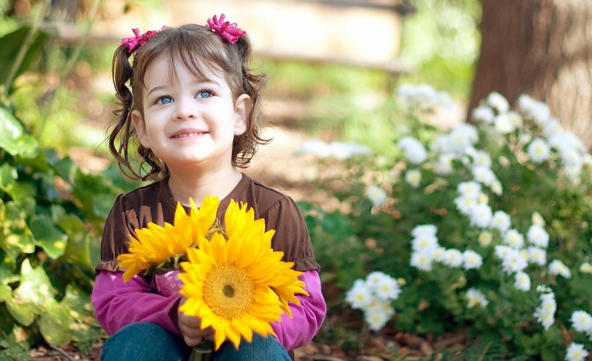 The smiles of children 16