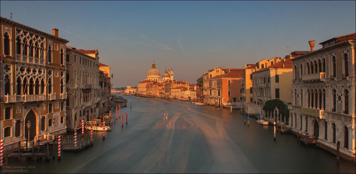 Venice-passing 13