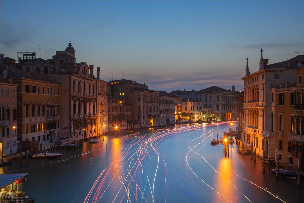 Venice-passing 15