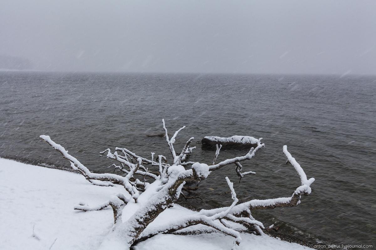 Winter on lake Teletskoye 11
