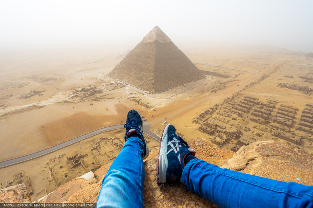 18-year-old Andrew Ciesielski climbed to the top of the pyramid at Giza 01