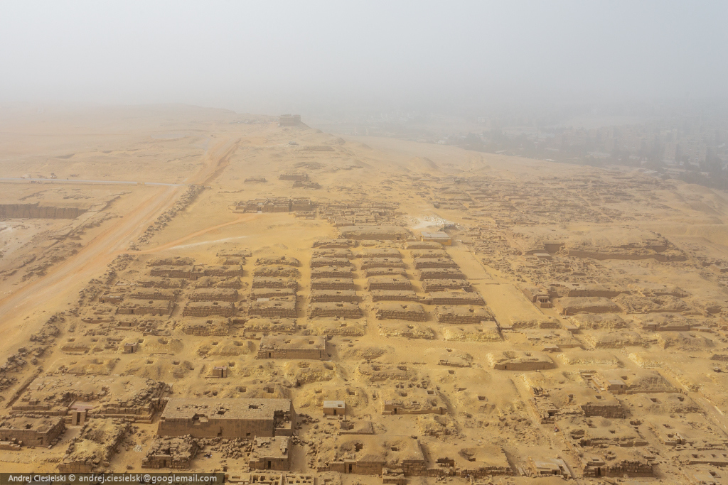 18-year-old Andrew Ciesielski climbed to the top of the pyramid at Giza 02