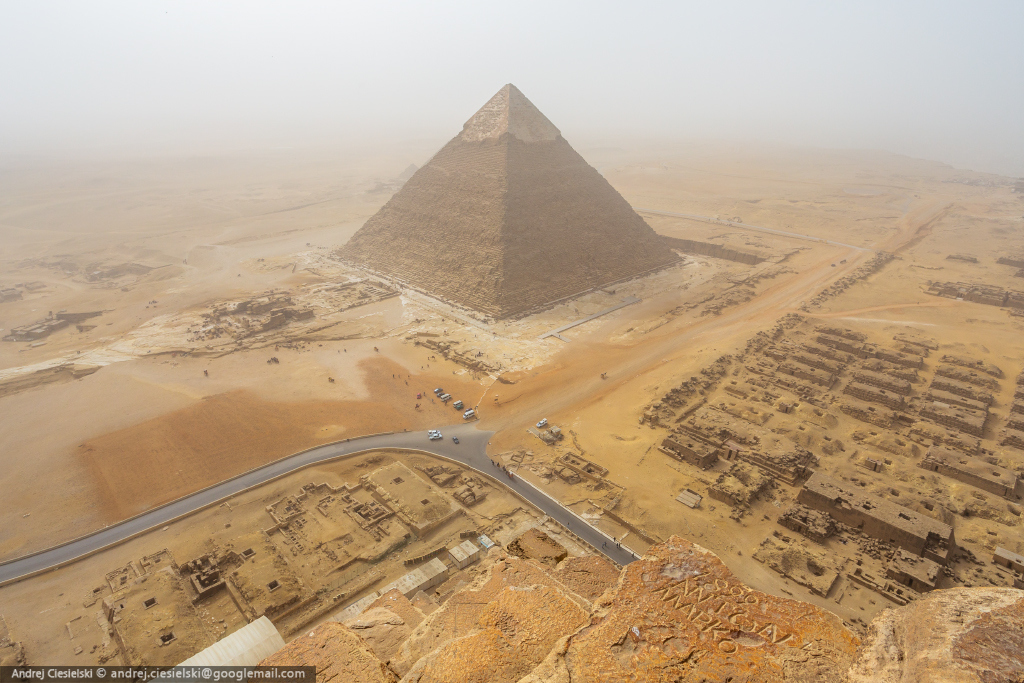 18-year-old Andrew Ciesielski climbed to the top of the pyramid at Giza 06