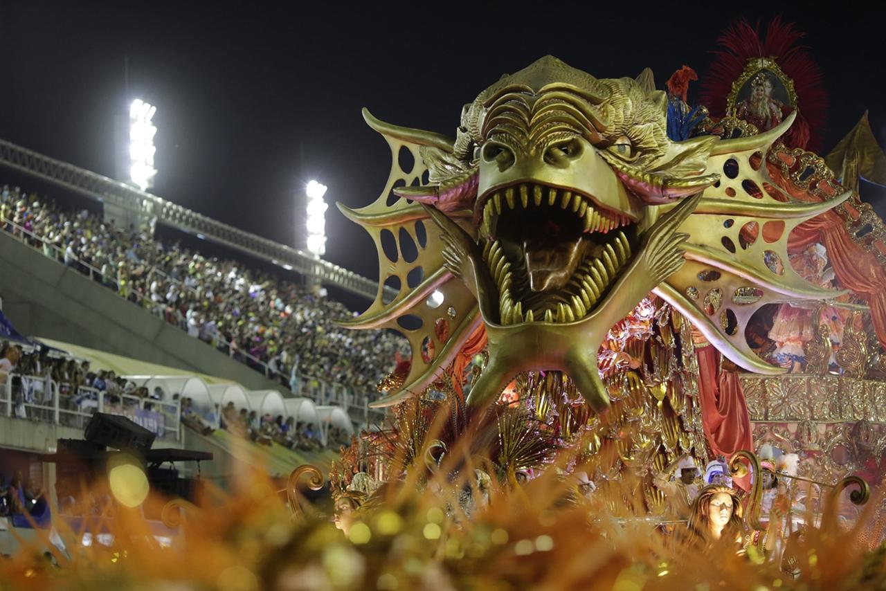 Carnival 2016 Around the World 09