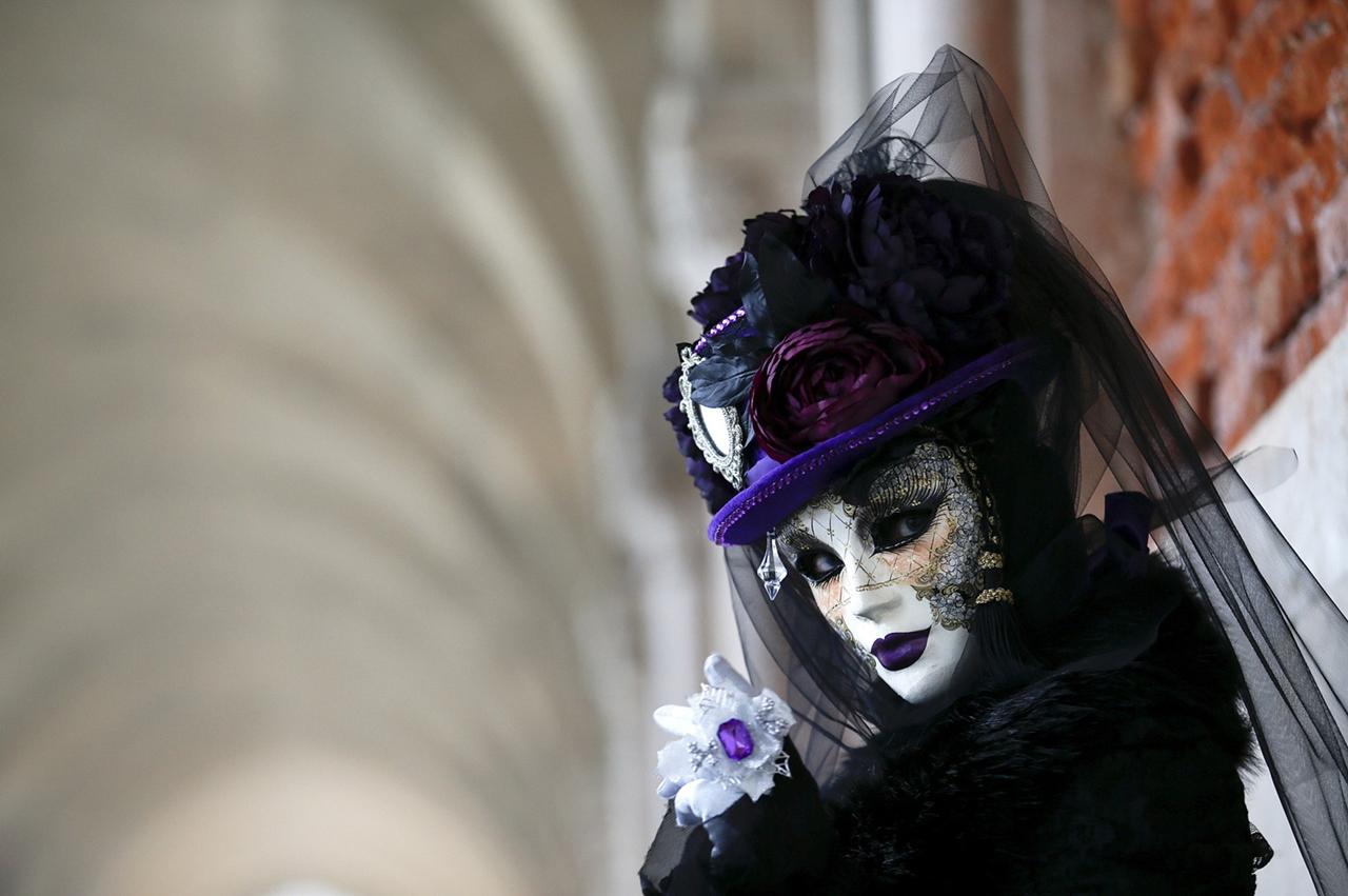 Carnival 2016 Around the World 15