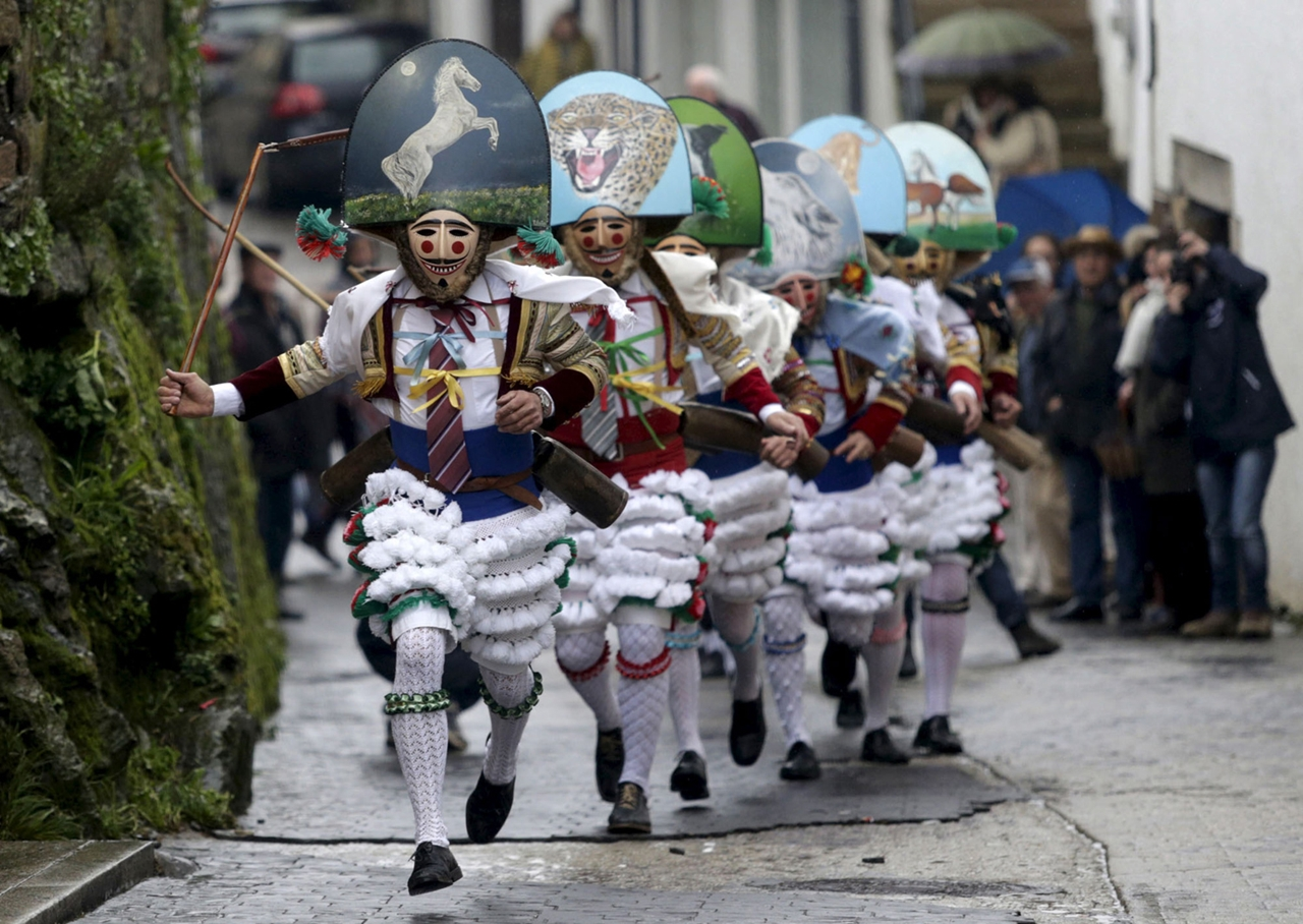 Carnival 2016 Around the World 24