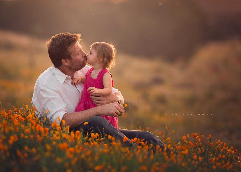Fatherly love. the Best photos of fathers with young children 10