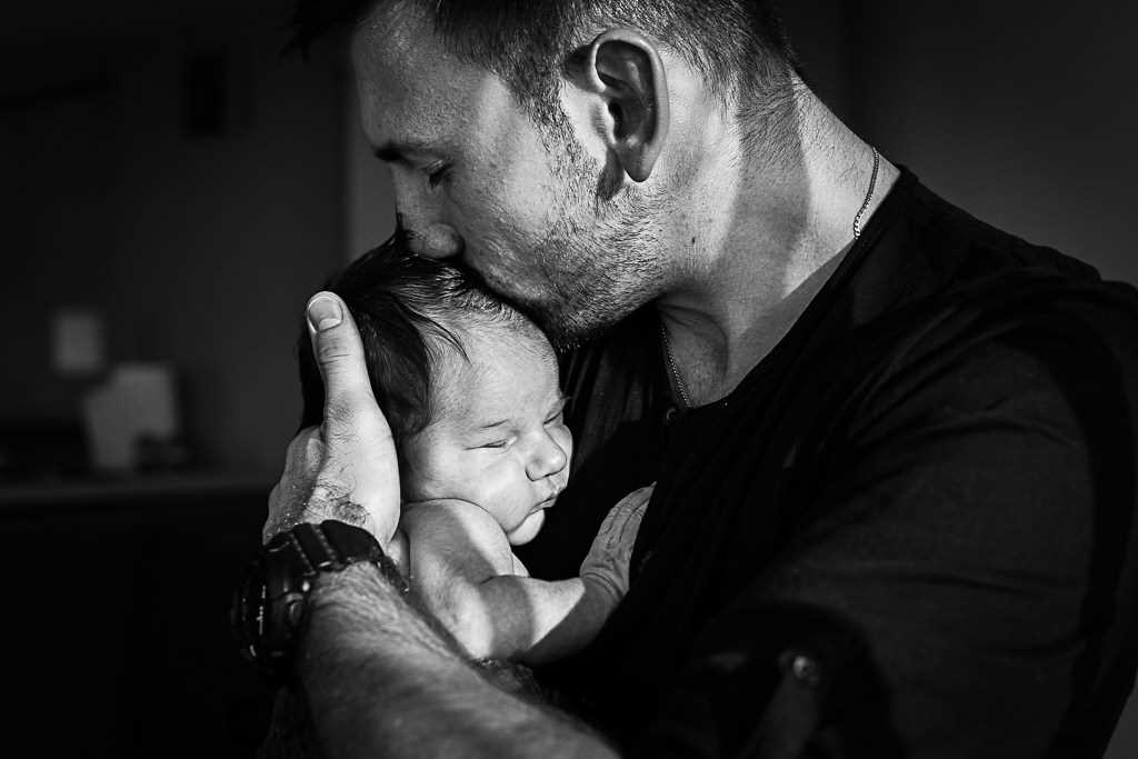 Fatherly love. the Best photos of fathers with young children 16