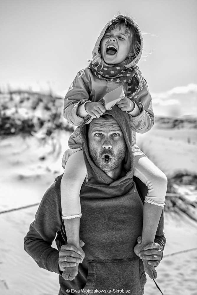 Fatherly love. the Best photos of fathers with young children 18