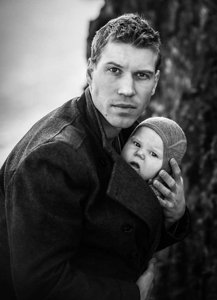Fatherly love. the Best photos of fathers with young children 22