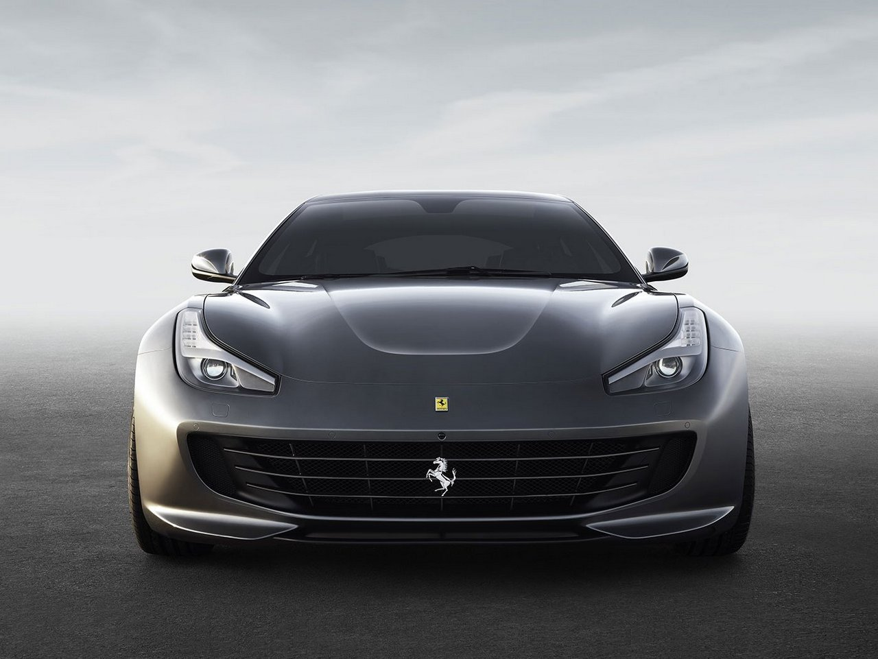 Four-wheel drive concept car Lusso Ferrari GTC4 01