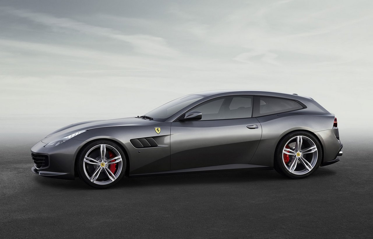 Four-wheel drive concept car Lusso Ferrari GTC4 02