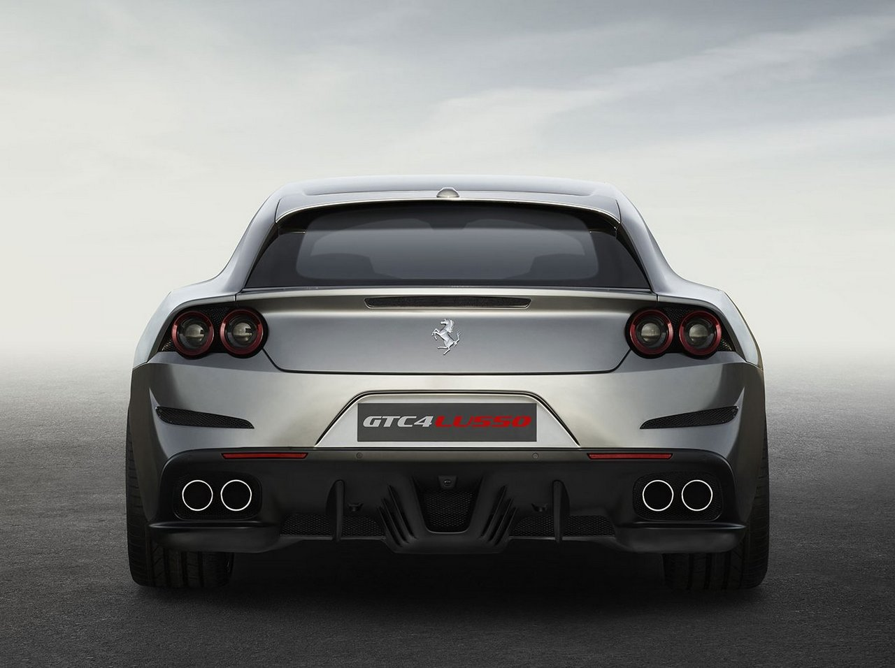 Four-wheel drive concept car Lusso Ferrari GTC4 05