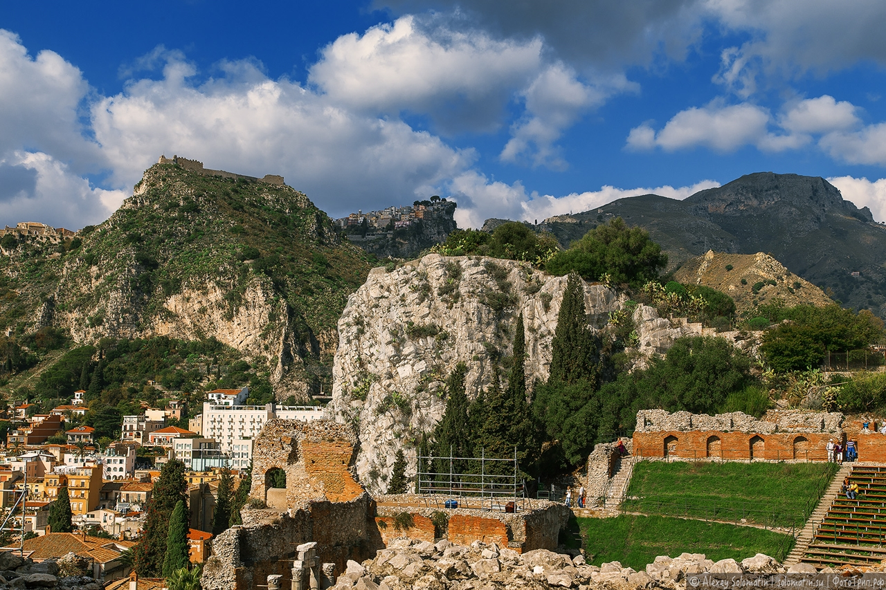 Greek theatre in Taormina 16