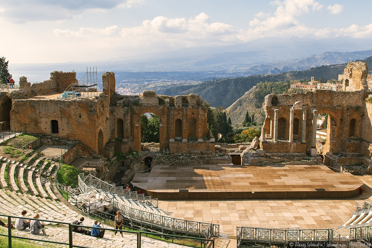 Greek theatre in Taormina 18