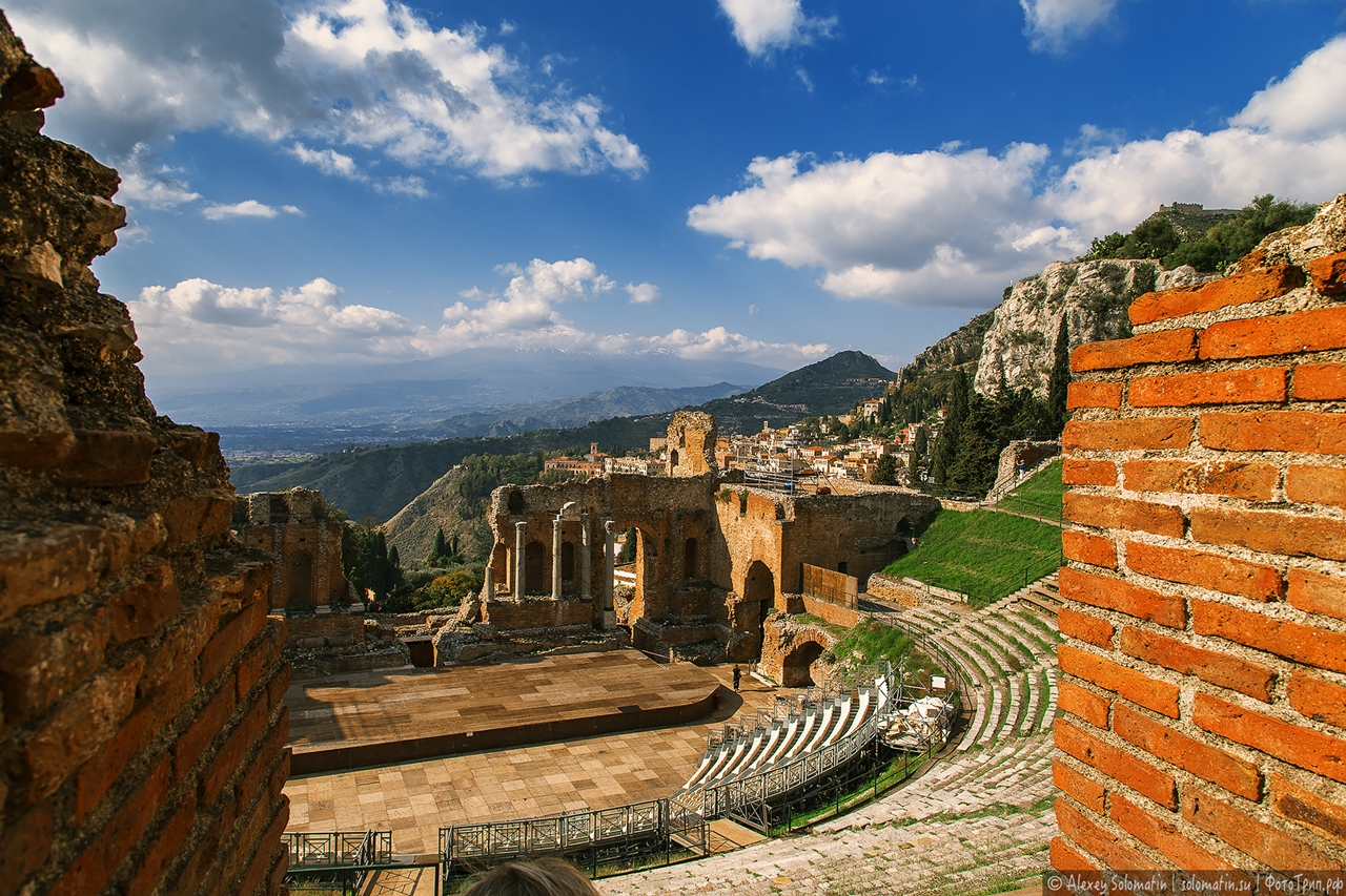 Greek theatre in Taormina 19