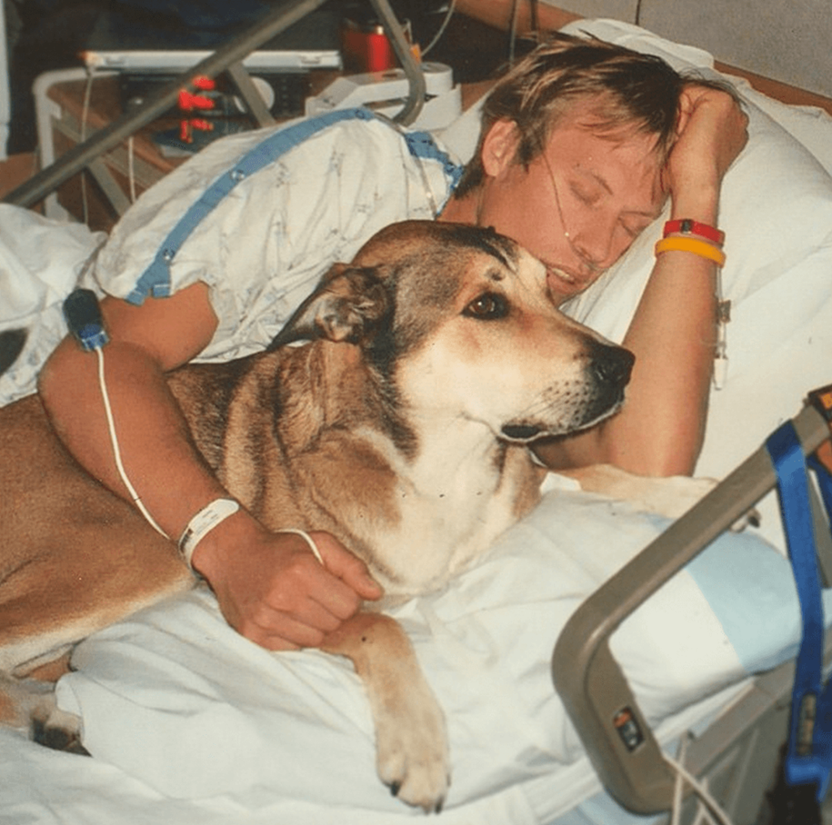 Incredible story about a man and his dog that helped him beat cancer 02