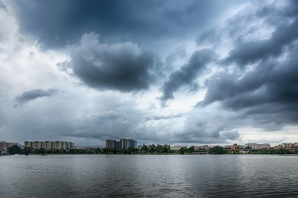 Islands on the lake Jurong 15