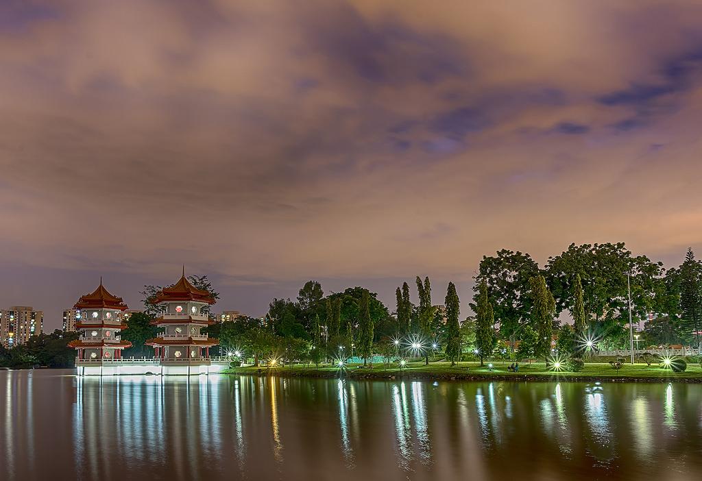 Islands on the lake Jurong 19