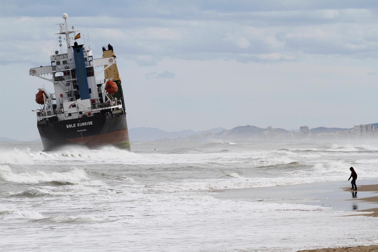 Stranded Ships 05