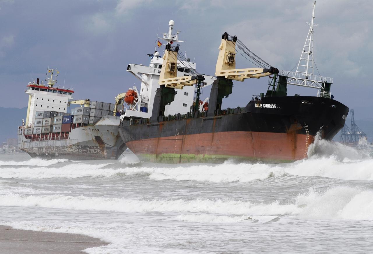 Stranded Ships 08
