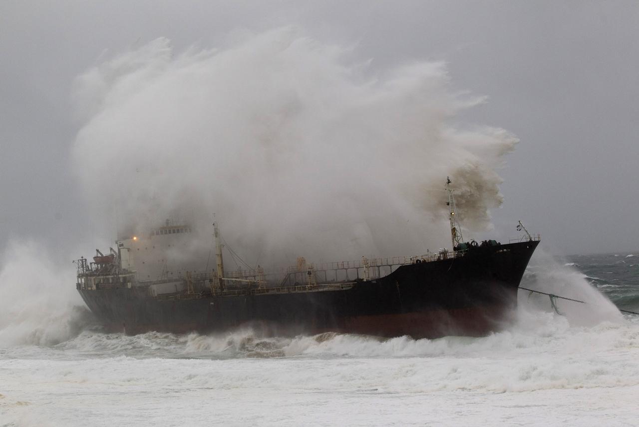Stranded Ships 09