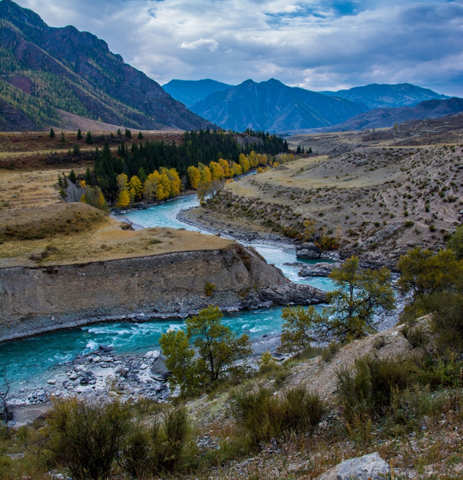 The Chuya river is one of the main beauties of Altai 03