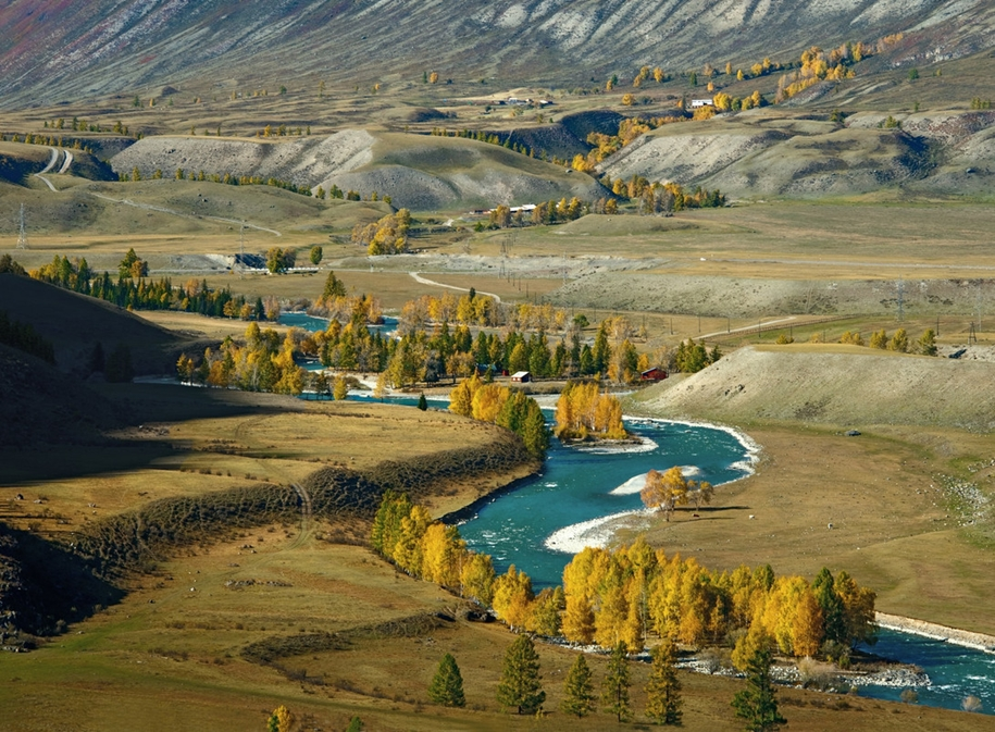 The Chuya river is one of the main beauties of Altai 05