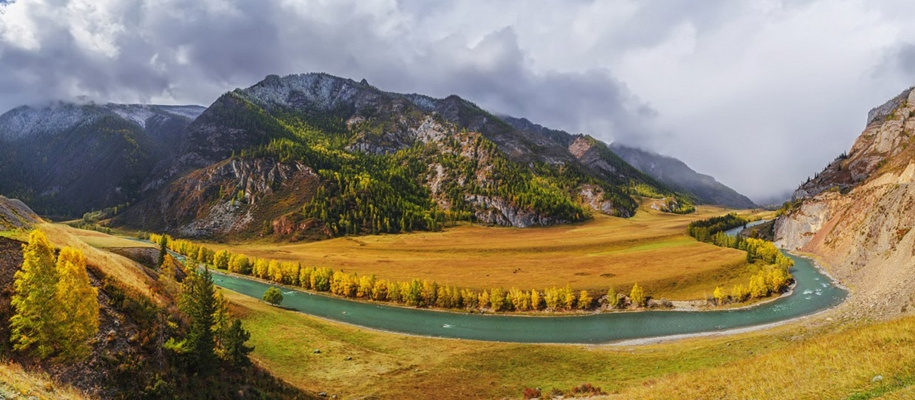 The Chuya river is one of the main beauties of Altai 07
