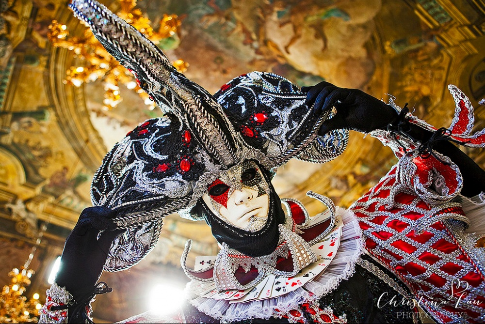 The magical atmosphere of the Venetian carnival 03