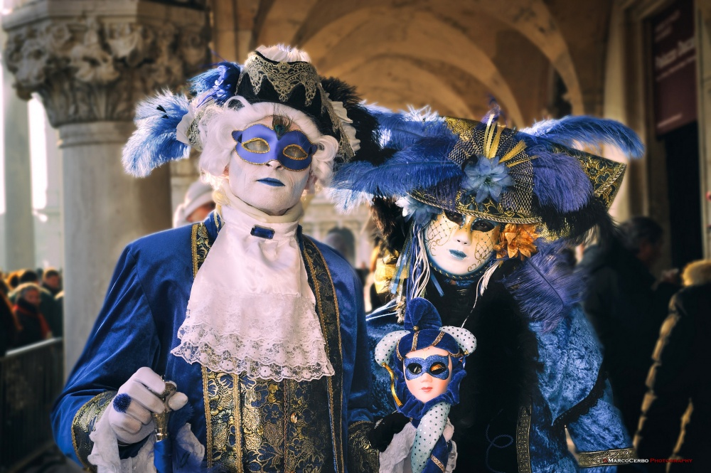 The magical atmosphere of the Venetian carnival 13