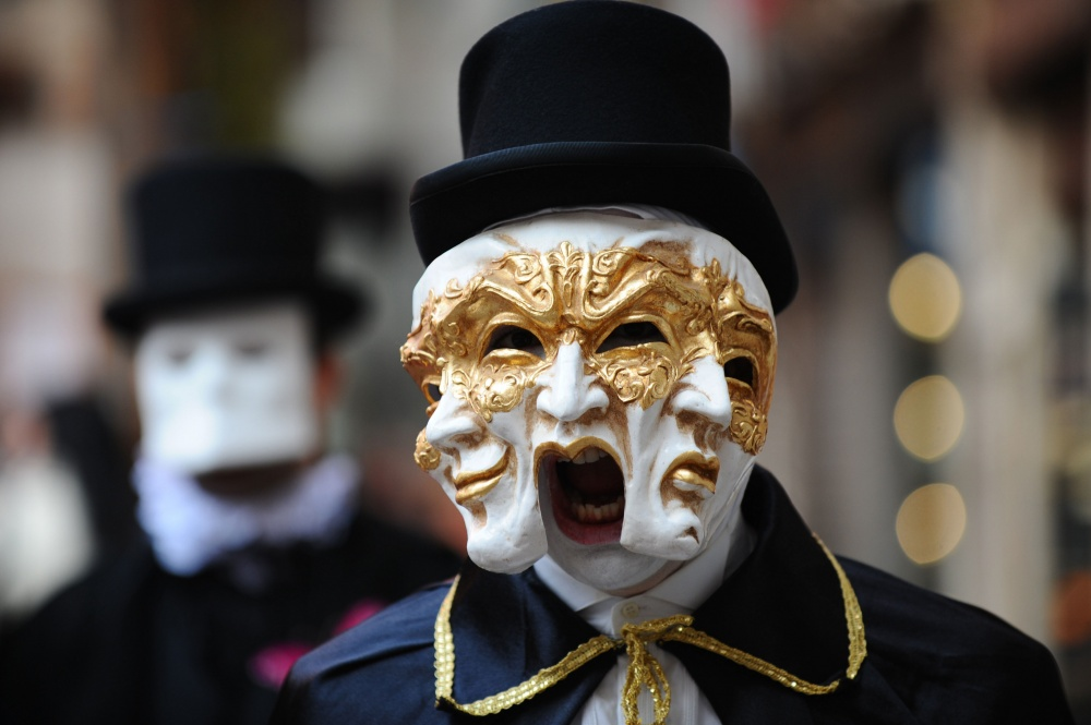 The magical atmosphere of the Venetian carnival 16
