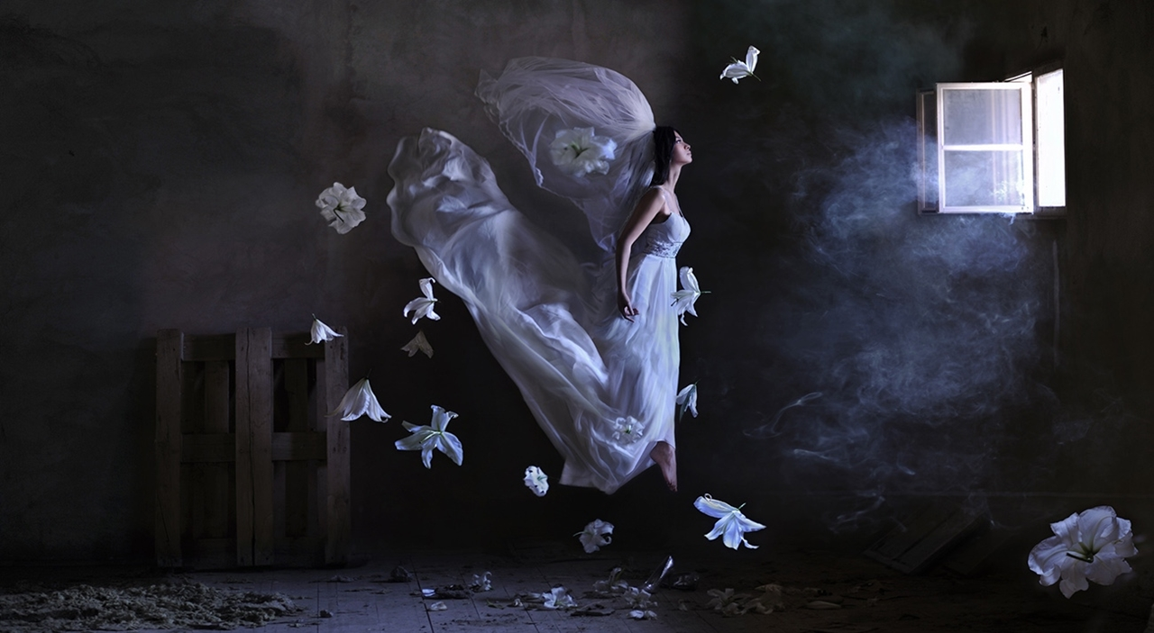 Amazing levitation photos Ravenii Azula 11