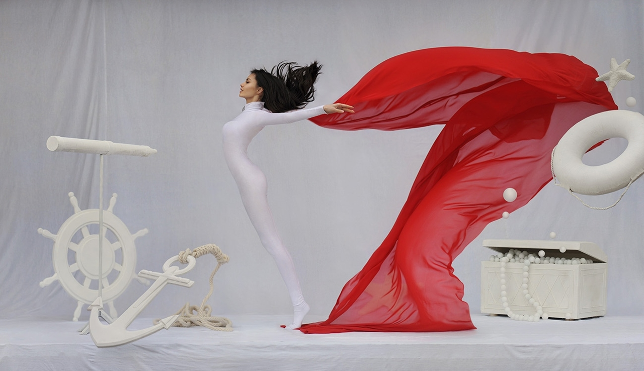 Amazing levitation photos Ravenii Azula 14