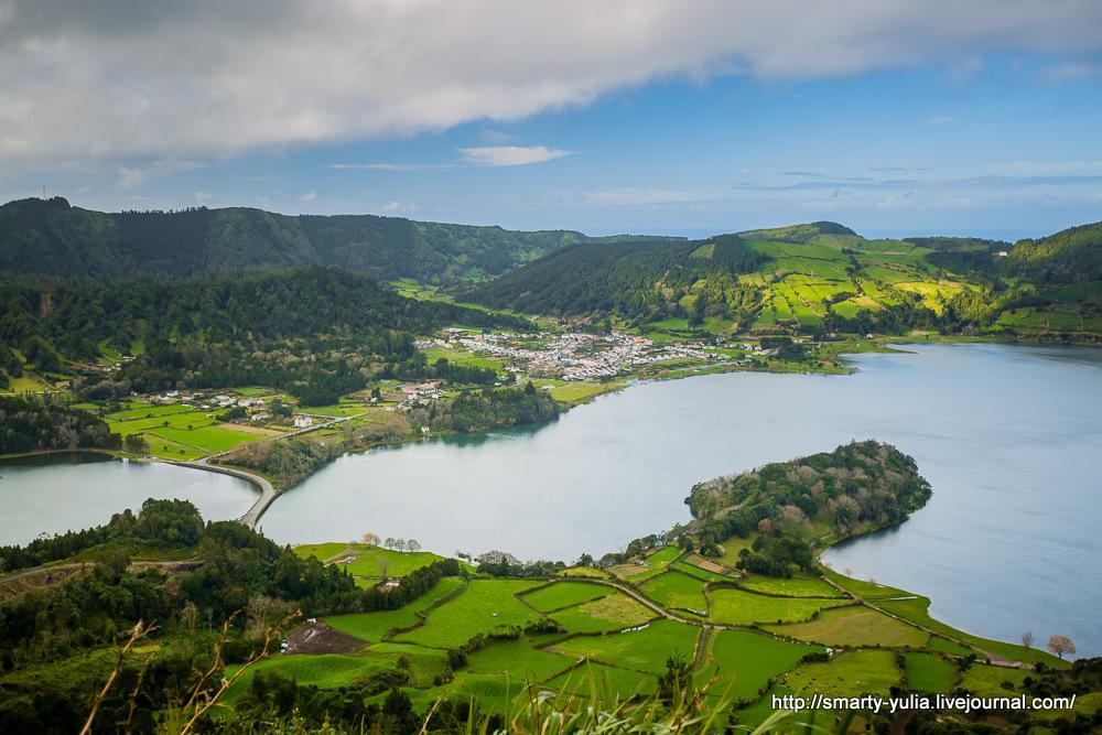 Azores-SeteCidades-Mosteiros-025