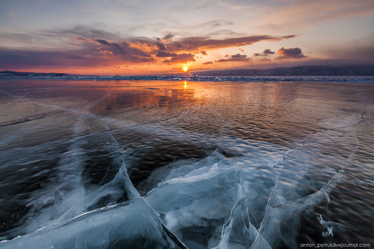 Glass sunset. Baikal 03