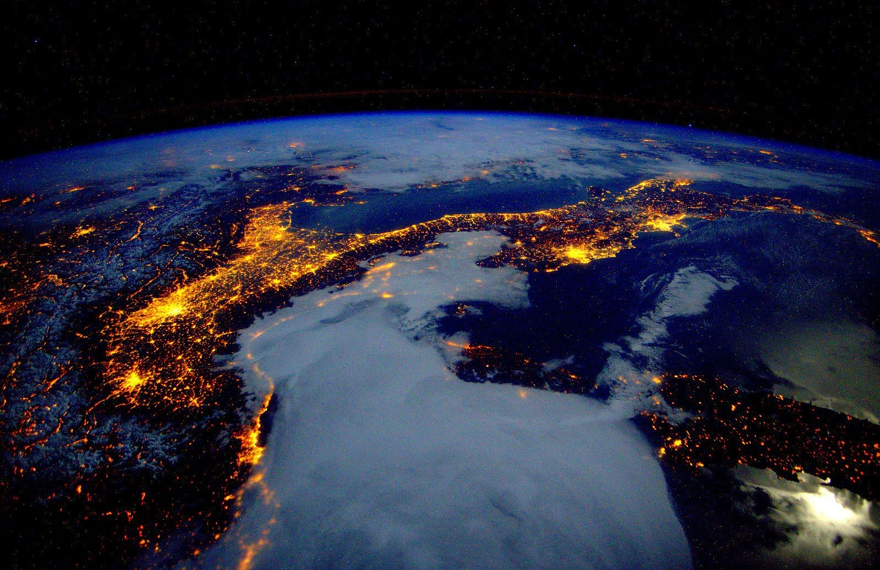 Images of Earth From a Year in Space 21