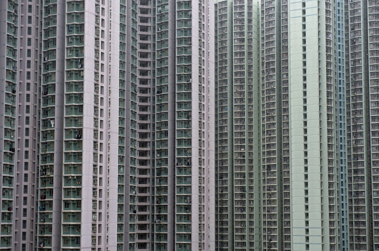 The Dizzying Cityscape of Hong Kong 03